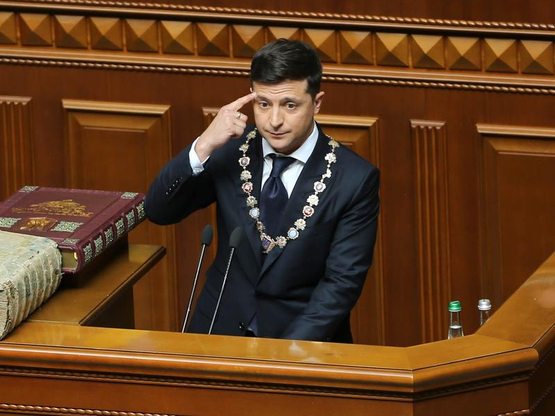 New Ukrainian President Volodymyr Zelenskiy took his  oath of office and delivered an inaugural speech in which he announced the dissolution of parliament in Kiev.