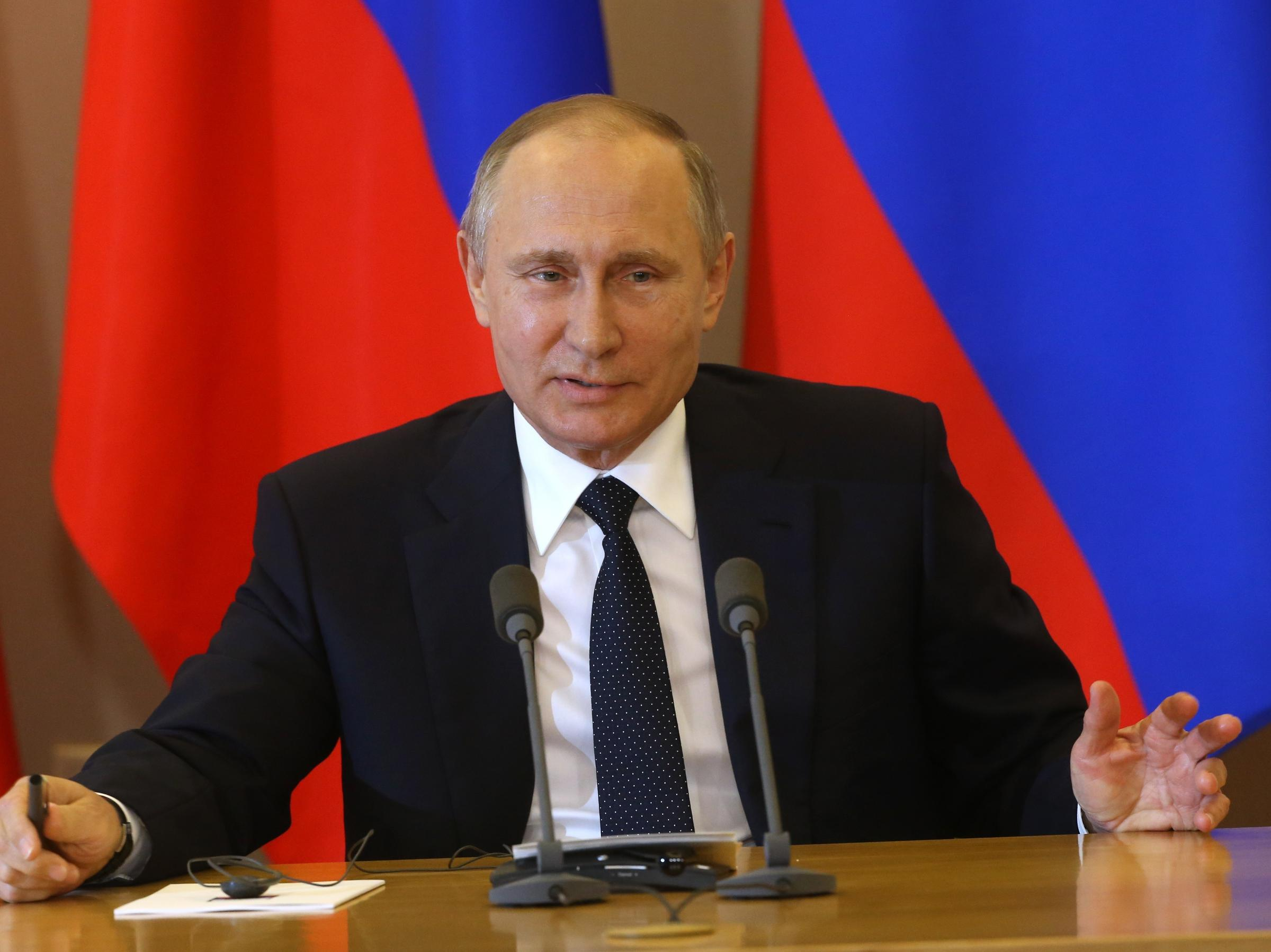 Putin: US pols may have 'political schizophrenia,' or be 'stupid' or 'dangerous'