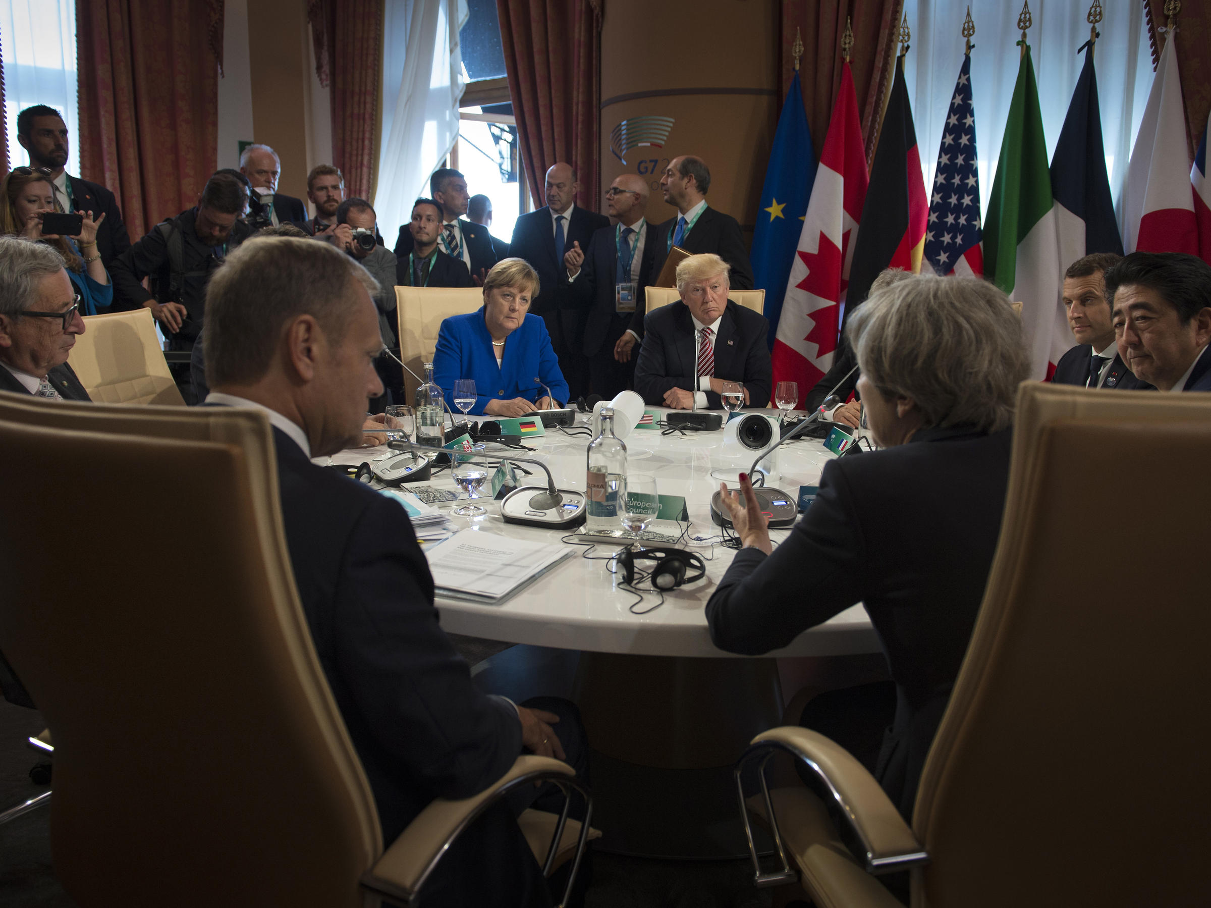 G7 leaders sign Declaration on fight against terrorism