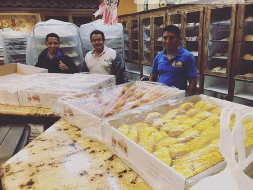 Trapped Mexican bakers make hundreds of loaves of bread during Hurricane Harvey