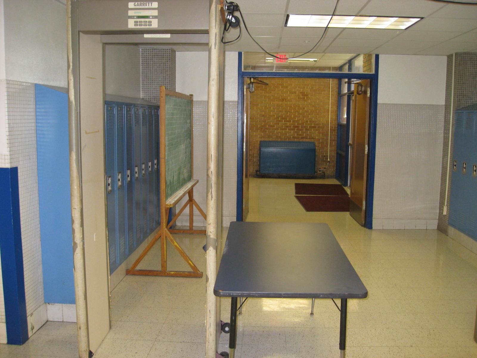 Security metal detector school - Metal Detector