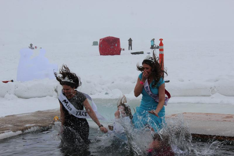 Mrs. Utah and her Ice Queens hit the water.