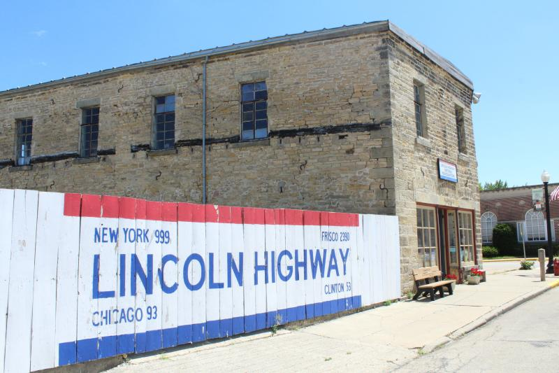 HI Lincoln building in Franklin Grove, Illinois.