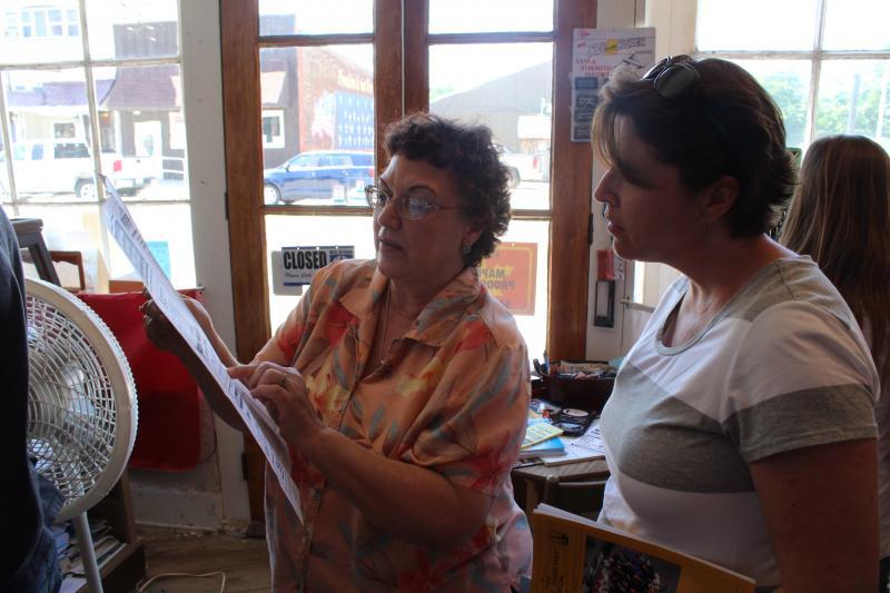 HI Lincoln's Lynn Asp teaches Jami Champagne.