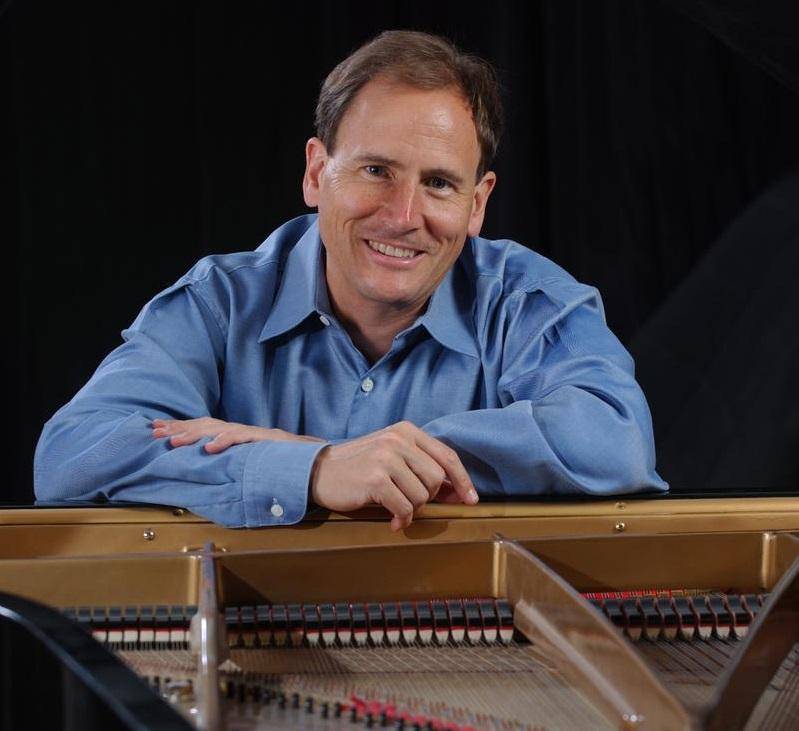 Pianist David Korevaar will present an intimate recital with works by Mozart, Poulenc, and Schubert.