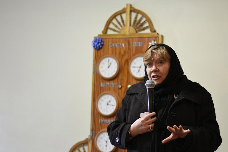 Dr. Bonnie Glass-Coffin speaks to the crowd at an event at the Logan Islamic Center as part of her work with the USU Interfaith Initiative.