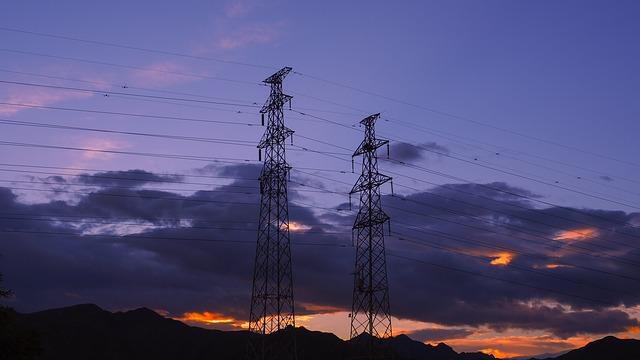Demand for renewable energy is too much for America's transmission lines