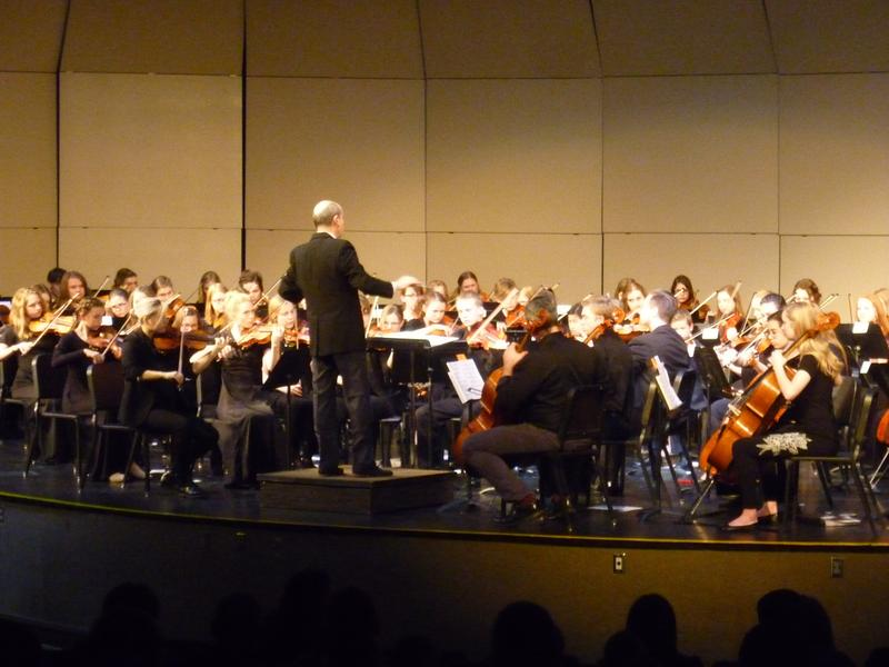 Sergio Bernal conducts the students during their concert