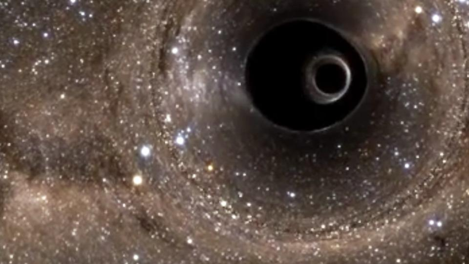 two black holes collide - photo #10