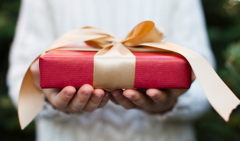 awesome etiquette: when to bring a host or hostess gift   vermont
