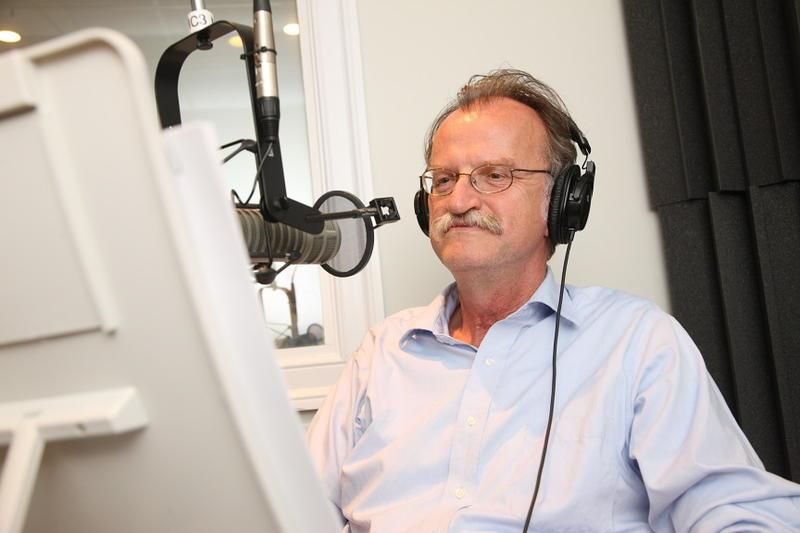 Host, Peter Onuf