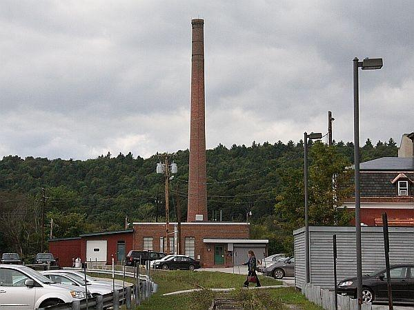 A wood-fired heating plant in Montpelier provides heat to state buildings. The city and the state have reached a deal to cover