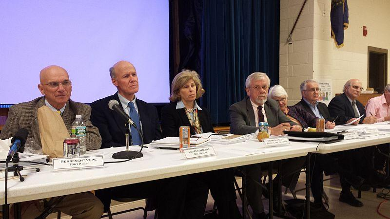 House Energy Committee chair Tony Klein at left and House Commerce and Ec Development chair Bill Botsow on his right at a panel meeting on Vermont Yankee's closure.
