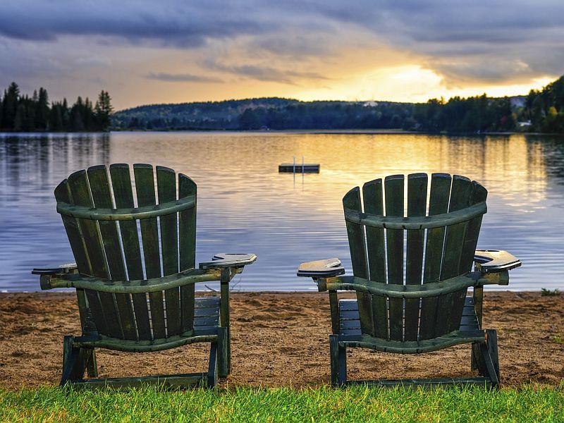 Dreams of retiring in a picturesque locale are realized through proper financial planning.