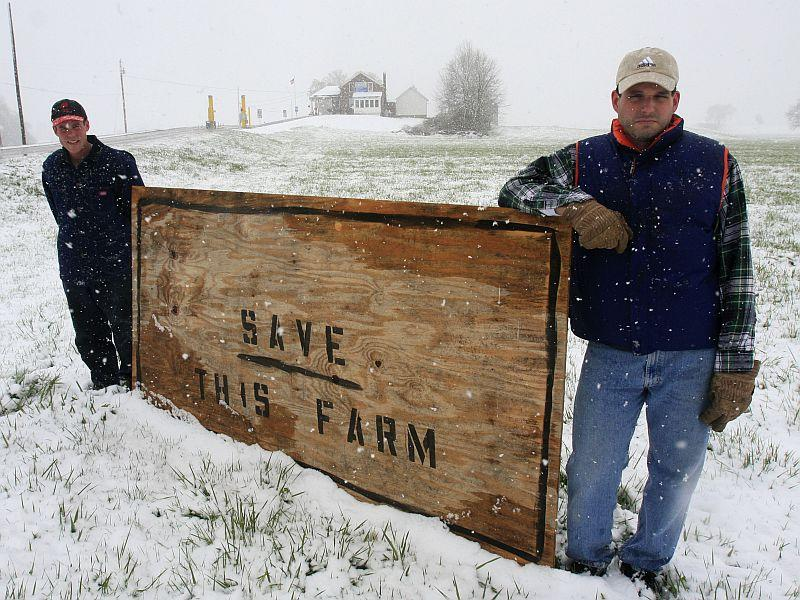 In 2010, the Federal Goverment considered using eminent domain to expand a border crossing station on the Rainville family farm in Morses Line.