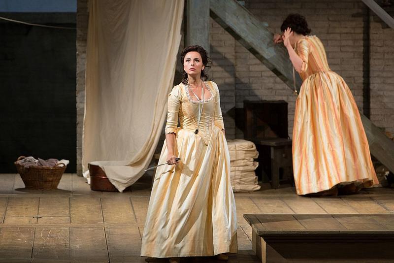 """Isabel Leonard as Dorabella in Mozart's """"Così fan tutte."""""""