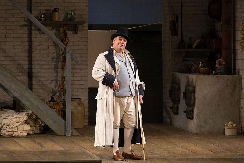 """Maurizio Muraro as Don Alfonso in Mozart's """"Così fan tutte."""""""