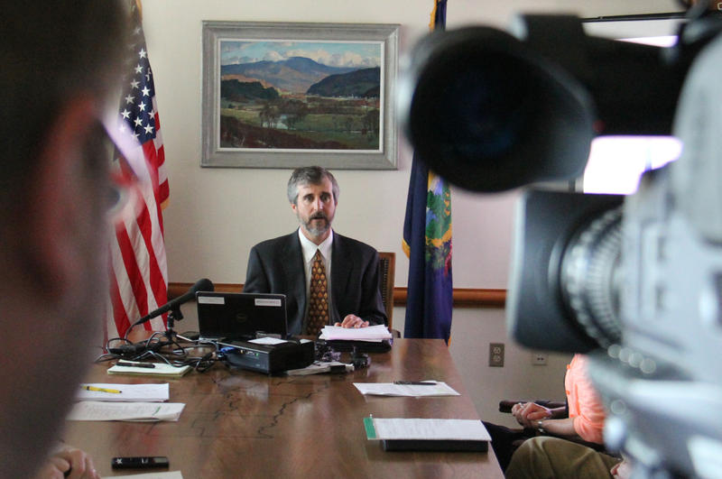 David Mears presented the state's Lake Cleanup plan at a press conference on May 29.