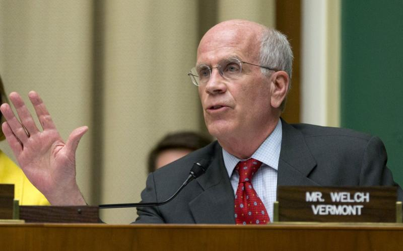 House Oversight and Investigation subcommittee member Rep. Peter Welch, D-Vt., question General Motors CEO Mary Barra on Capitol Hill in Washington, Tuesday, April 1, 2014, as she testified before the subcommittee.