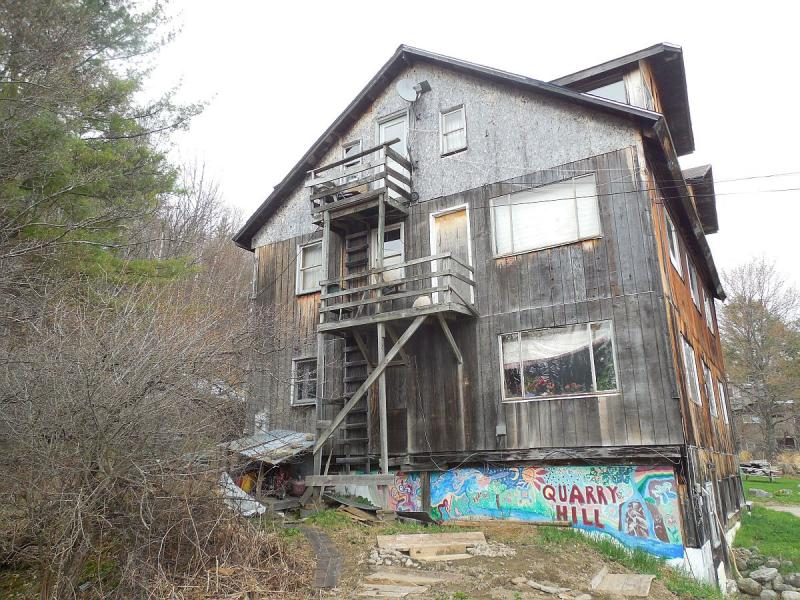 Rooms are availabe for rent in the Quarry Hill community building.