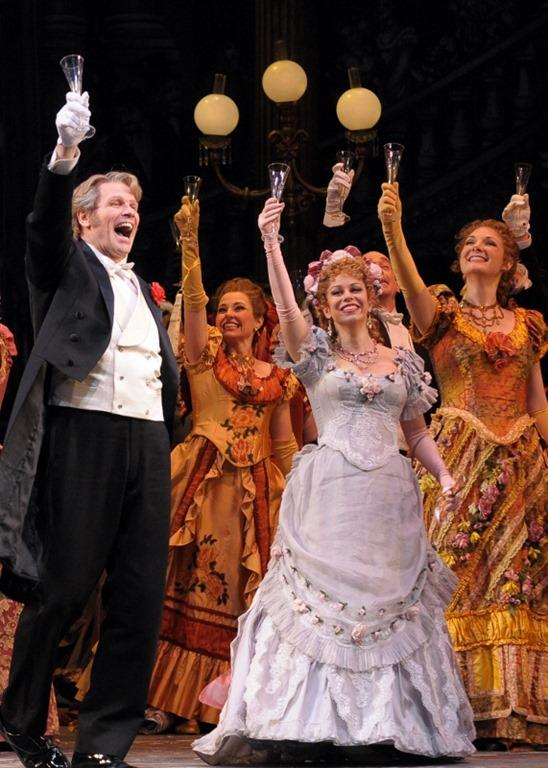 Bo Skovhus and Daniela Fally in the Lyric Opera Of Chicago's prduction of Die Fledermaus