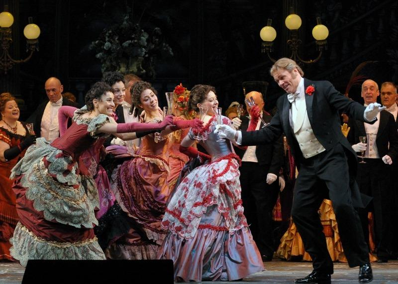 Bo Skovhus in the Lyric Opera Of Chicago's production of Die Fledermaus