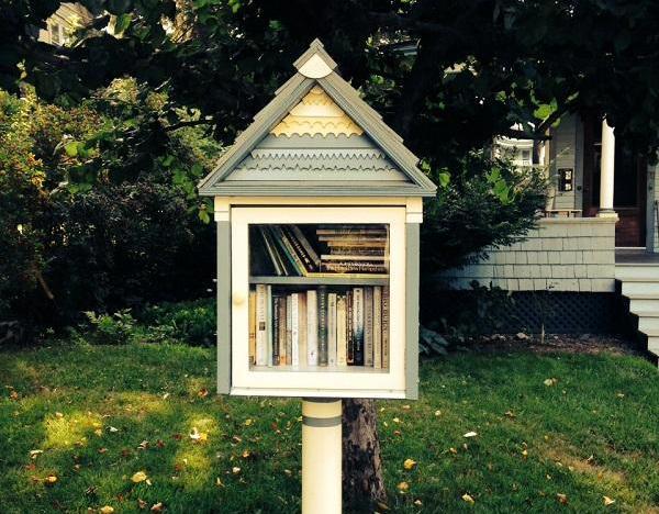 A little library awaits borrowers on Boynton Avenue in St. Johnsbury.
