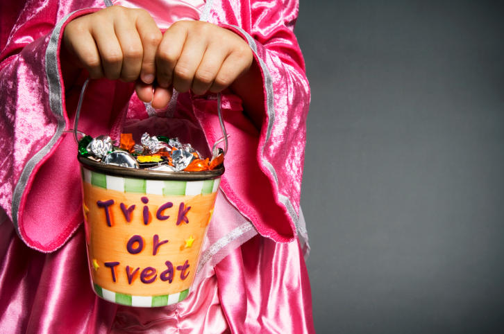 The Hartford Police Department has some Halloween tips for drivers, parents, trick-or-treaters and treat-givers.