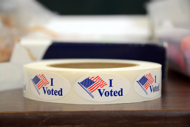 A new online voter registration system replicates the paper questionnaire Vermont residents previously had to fill out. Secretary of State Jim Condos says the digital voter checklist will actually enhance elections security.