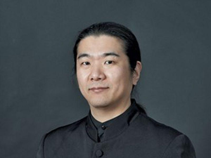 Yutaka Kono directs the Burlington Chamber Orchestra