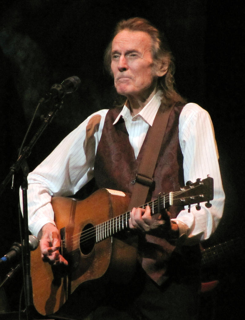 Gordon Lightfoot - still performing live !