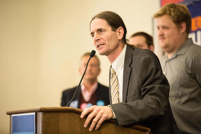 Progressive/Democrat David Zuckerman speaks to reporters at the Hilton in Burlington on Tuesday evening.