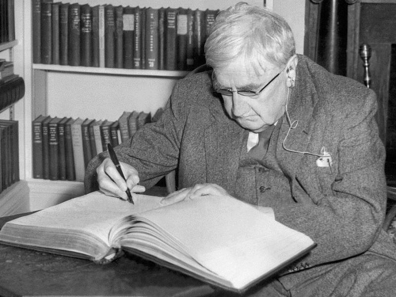 This photograph was taken in 1954 while Vaughan Williams was visiting Yale University.