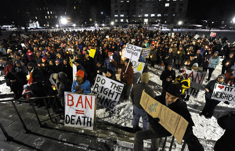 A large crowd gathered in Montpelier on Wednesday evening to stand in solidary with the Muslim and refugee communities in Vermont.