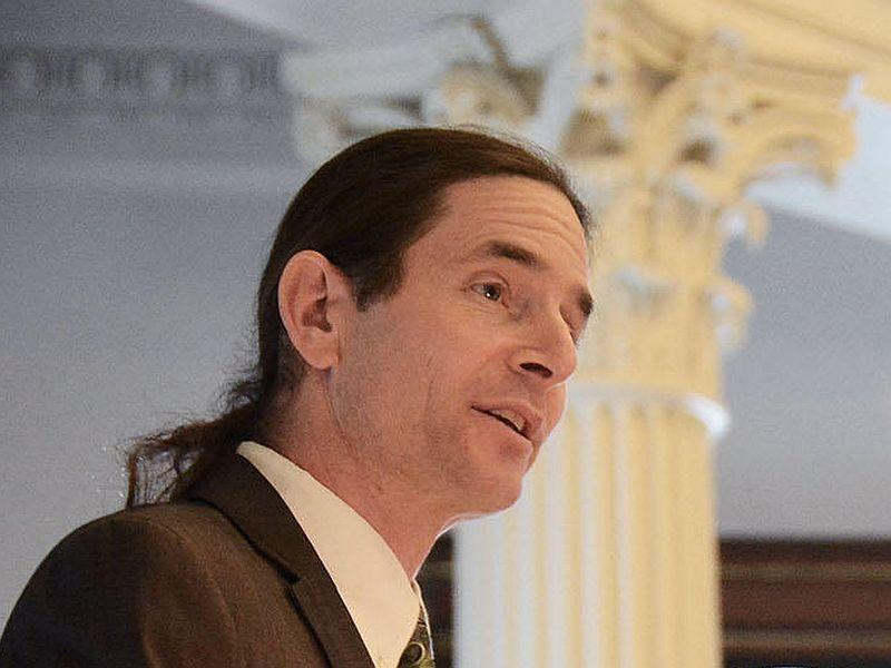 "Lt. Gov. David Zuckerman is calling on Gov. Phil Scott to compromise on his ""no new taxes"" pledge to help facilitate a compromise at the Statehouse"