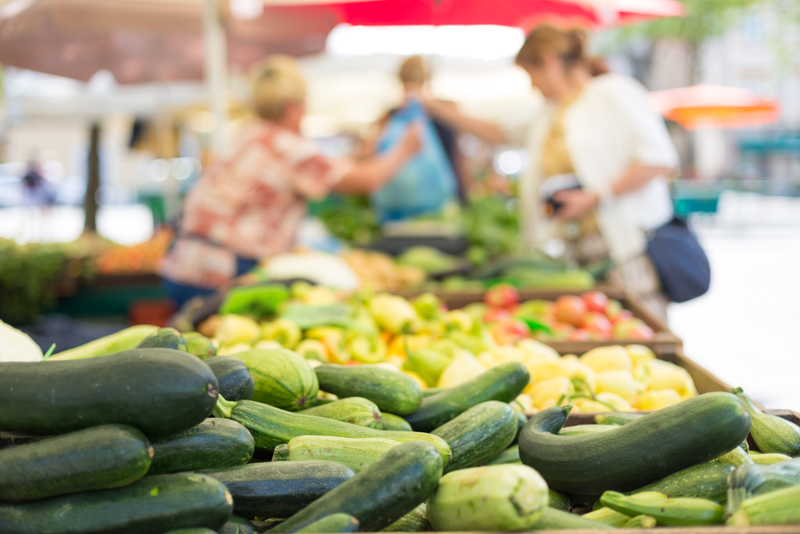 Just as you would before visiting the grocery store, make a list of what you need when planning a trip to a farmers' market.