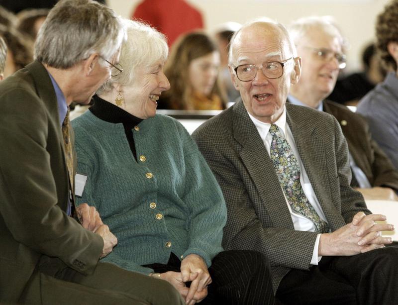 John Hennessy (r) with former Vermont Gov. Madeline Kunin in 2006
