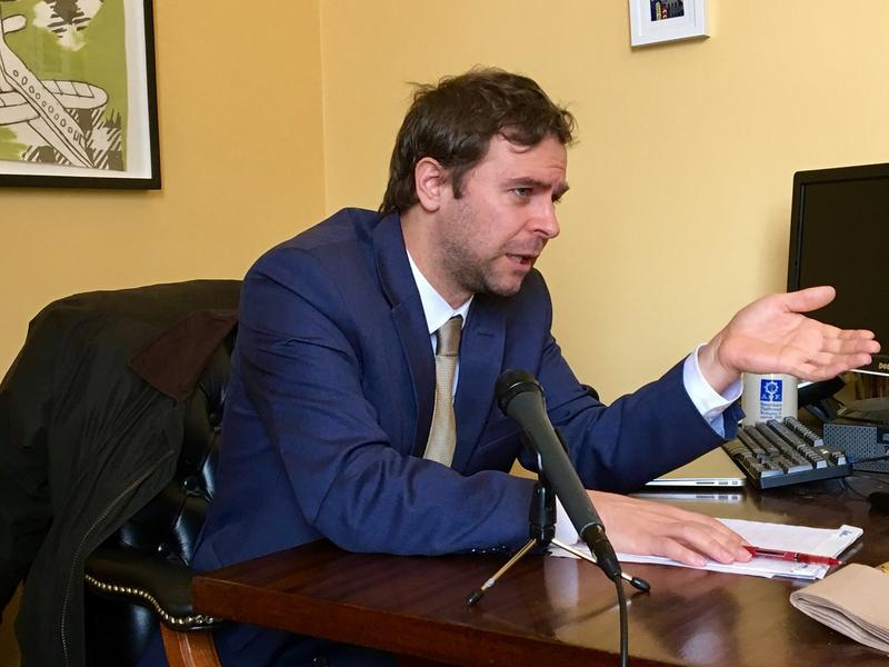 Senate President Pro Tem Tim Ashe strongly supports raising Vermont's minimum wage to $15 an hour over a period of years.
