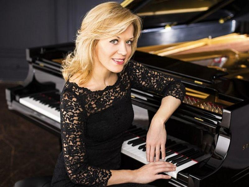 Pianist Olga Kern plays Grieg's Concerto with the VSO this week.
