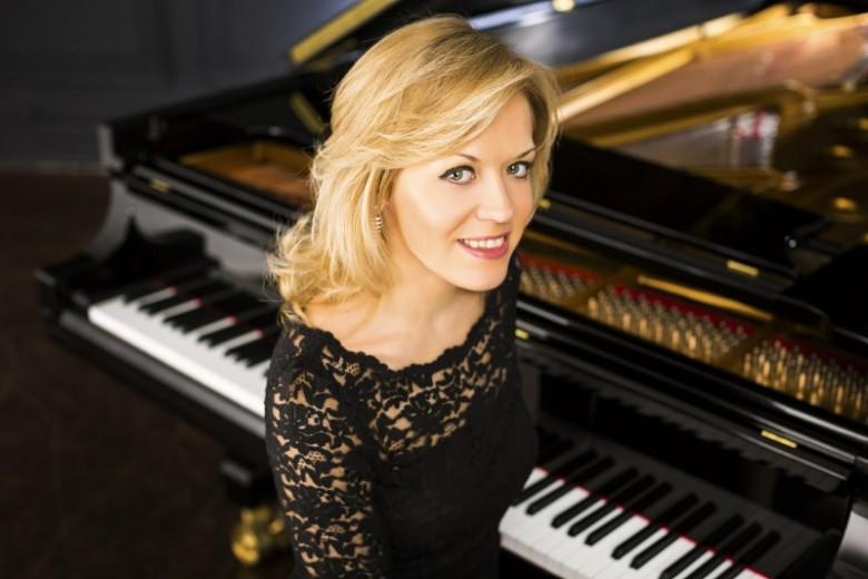 Pianist Olga Kern plays Grieg with the VSO this week.