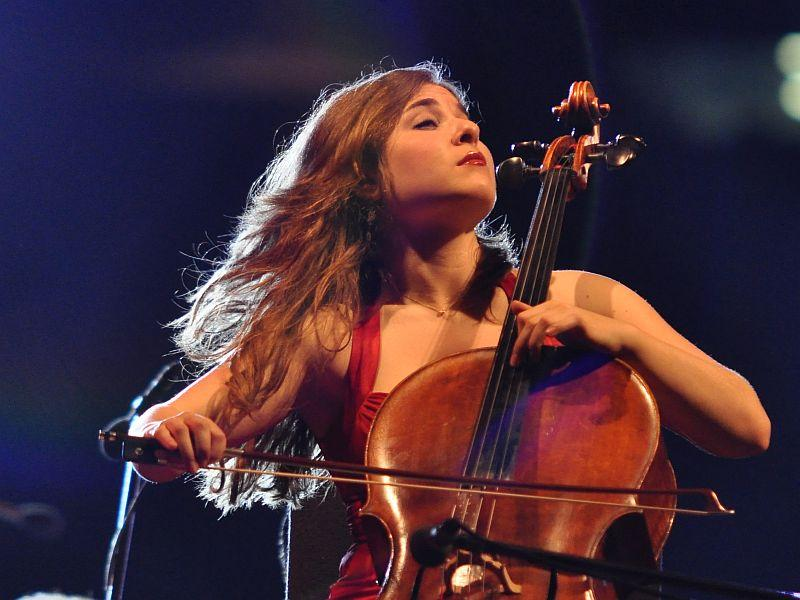 Cellist Alisa Weilerstein plays Shostakovich at the Proms.
