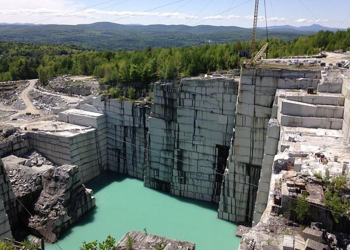 As The Dorset Quarry Gains Internet Renown Private Owners