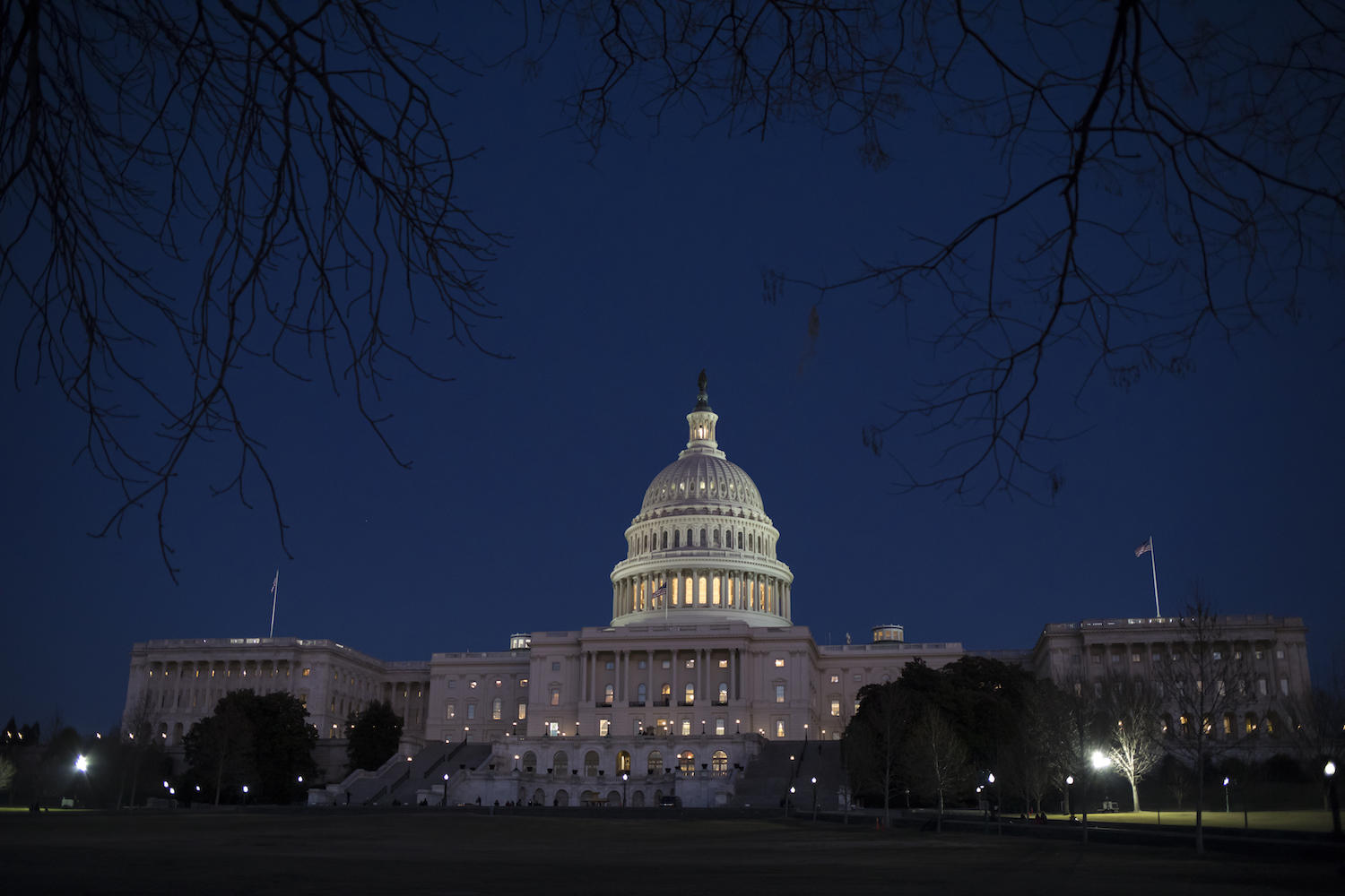 USA  shutdown would idle vast workforce but not military or Mueller probe
