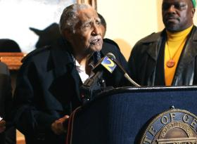Rev. Joseph Lowery and other civil rights leaders want a statue of Rev. Martin Luther King, Jr., in front of the state Capitol.
