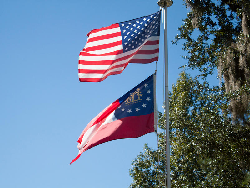 US and Georgia state flags