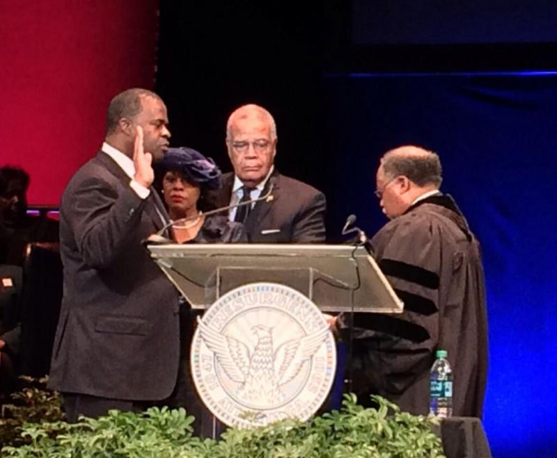 Kasim Reed being sworn in to his second term as mayor of Atlanta.