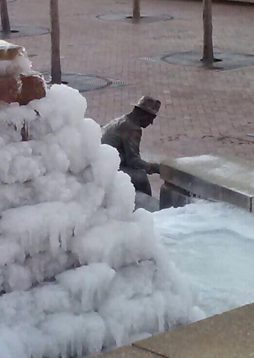 Underground Atlanta tweeted this photo showing how their big fountain had frozen.
