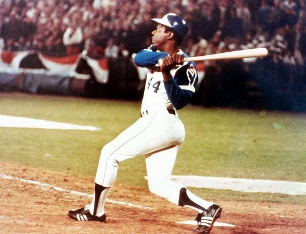 This Day In History Hank Aaron Breaks Babe Ruth S Home