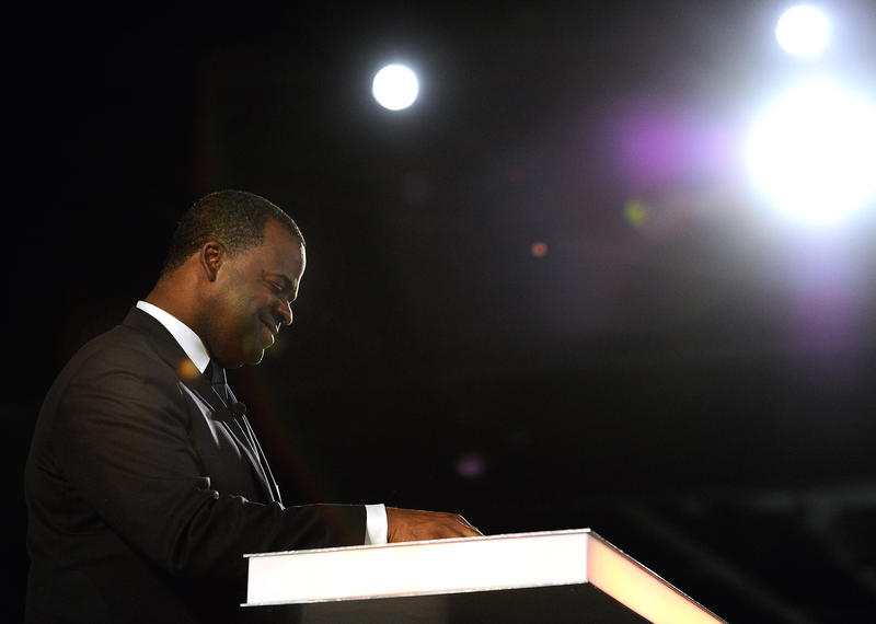 Atlanta Mayor Kasim Reed speaks at the Points of Light service organization's opening plenary session Monday, June 16, 2014, in Atlanta. Chelsea Clinton, the daughter of former President Bill Clinton and former Secretary of State Hillary Clinton, also spo