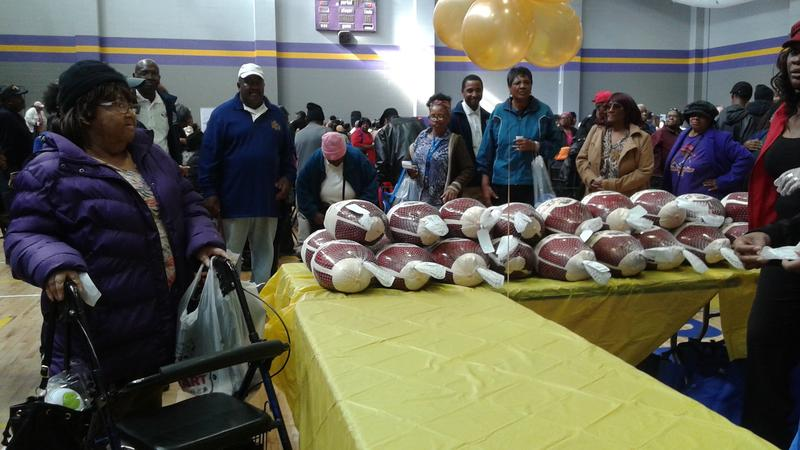 Atlanta native and rapper T.I. donated 600 turkeys to seniors in West Atlanta on Wednesday, focusing on grandparents raising their grandchildren.